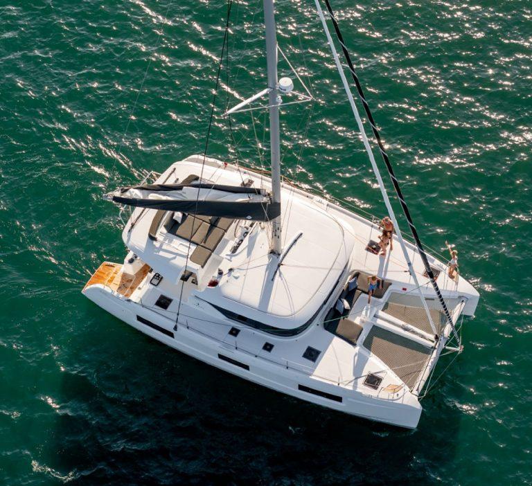 Wine and Catamaran Club Lagoon 46 Sailing