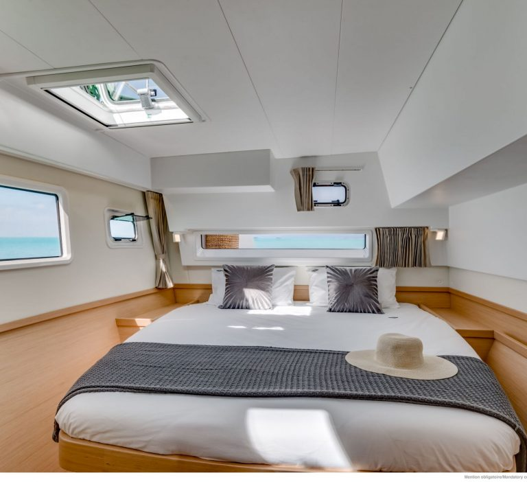 Wine and Catamaran Club, Lagoon 42 Cabin