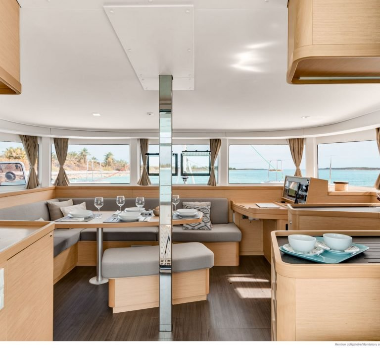 Wine and Catamaran Club, Lagoon 42 Saloon