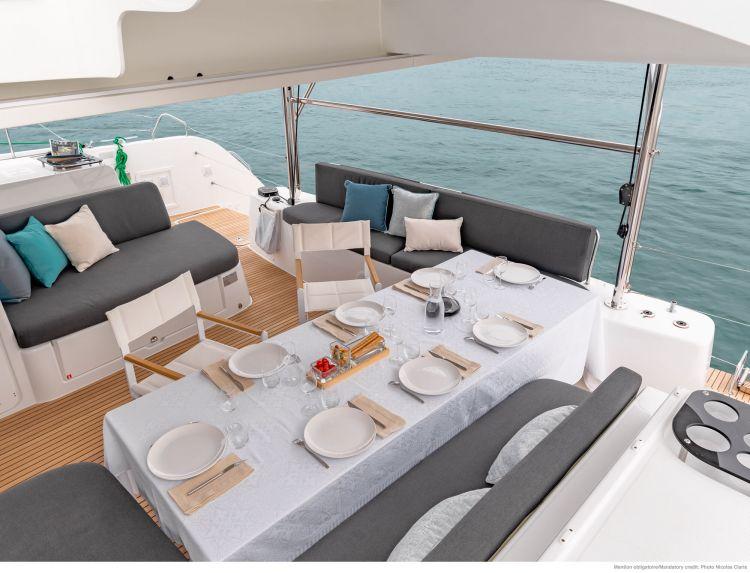 Wine and Catamaran Club, Lagoon 46 Flybrdige