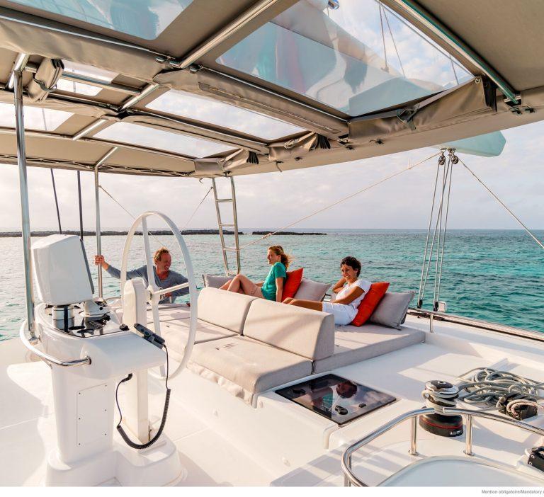 Wine and Catamaran Club, Lagoon 52 Relaxing Under Sail