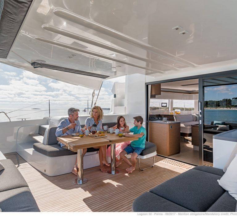 Wine and Catamaran Club Lagoon 50 Outdoor Space